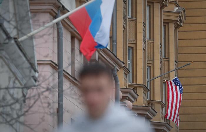 В Москве недоумевают из-за рекомендации для американцев с истекающей визой РФ