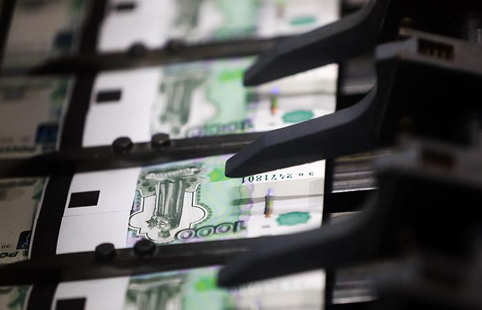 Дума разрешит менять купюры на сумму до 40 тысяч рублей без предъявления паспорта