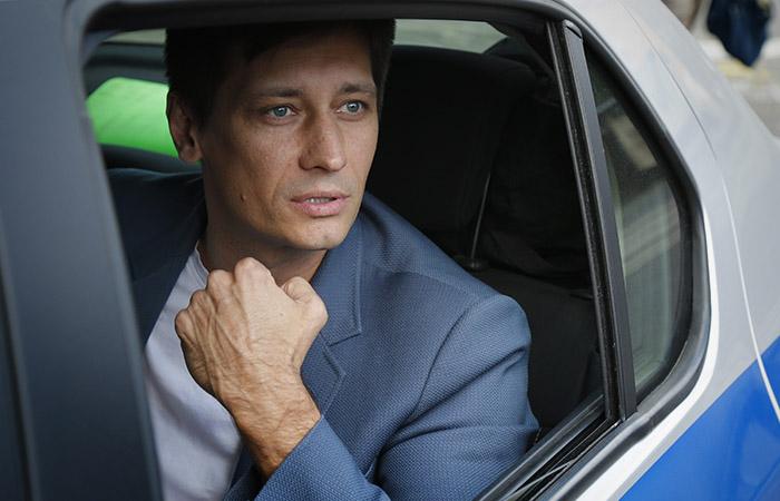 Оппозиционер Дмитрий Гудков заявил, что его увезли на допрос