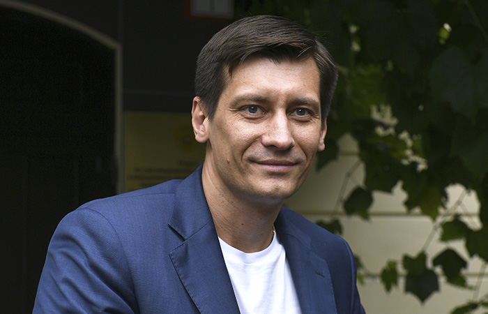 Гудков заявил, что задержан по делу о фирме его родных, с которой он никак не связан