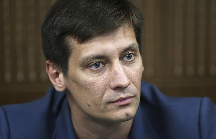 Дмитрия Гудкова освободили из ИВС