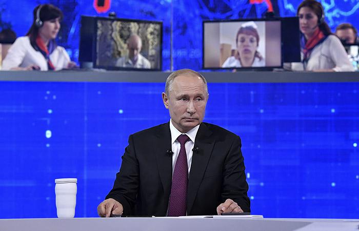 """Кремль пообещал, что """"прямая линия"""" с Путиным состоится в этом году"""