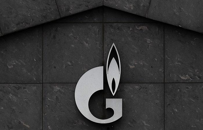 """""""Газпром"""" официально сменит прописку с Москвы на Петербург"""