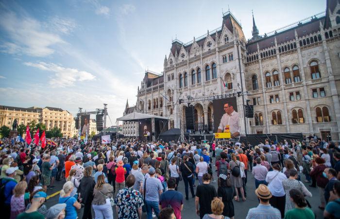 В Венгрии прошли протесты против строительства китайского университета