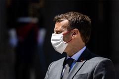 Во Франции задержали двух человек после инцидента с пощечиной Макрону