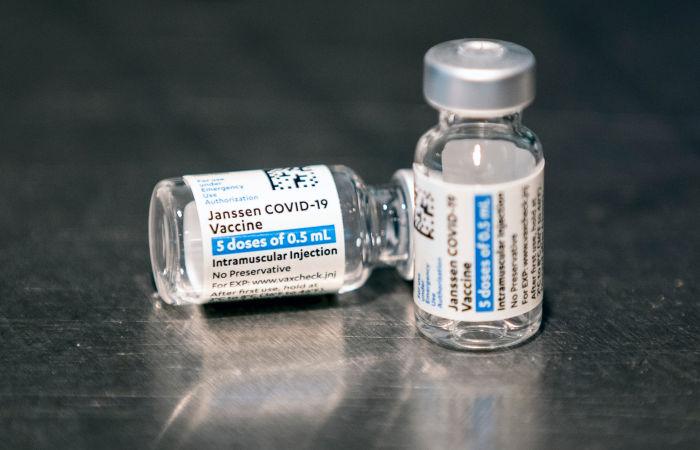 В июне истекает срок действия миллионов доз вакцины Johnson & Johnson