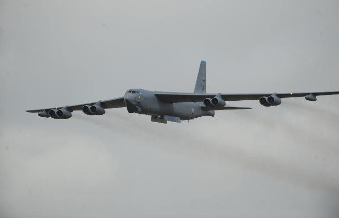 Посольство РФ назвало провокацией США использование самолета B-52H у границ России