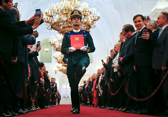 Путин пообещал поддержать любого преемника, преданного России