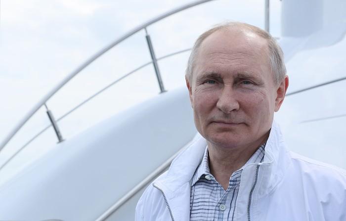 Путин заявил, что его не пугает оппозиция