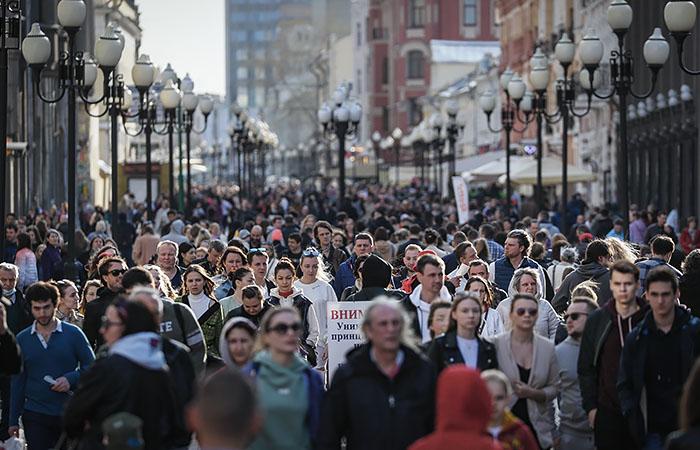 Роспотребнадзор предписал привить в Москве 60% работающих людей