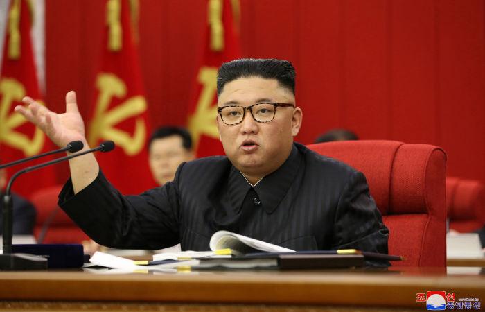 Ким Чен Ын призвал Пхеньян готовиться как к диалогу, так и к конфронтации с США