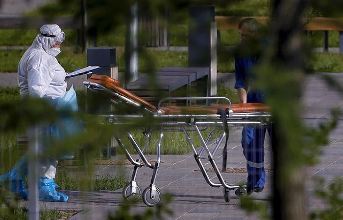 Плановую медпомощь в больницах Москвы будут оказывать только людям с антителами