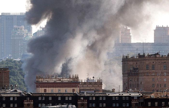 В Москве произошел пожар на складе пиротехники