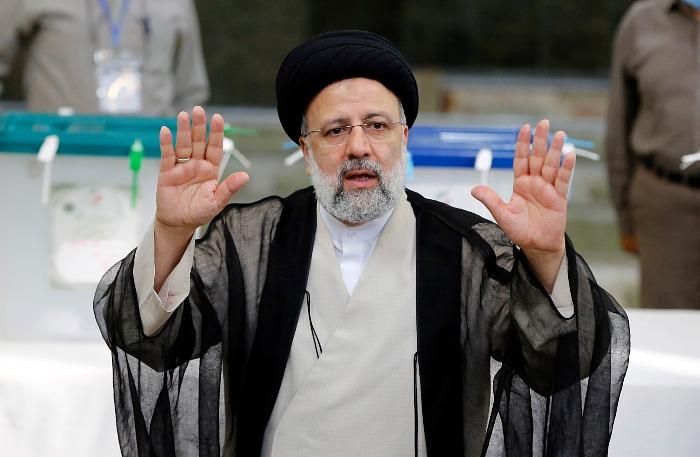 Ибрахим Раиси победил на выборах президента Ирана