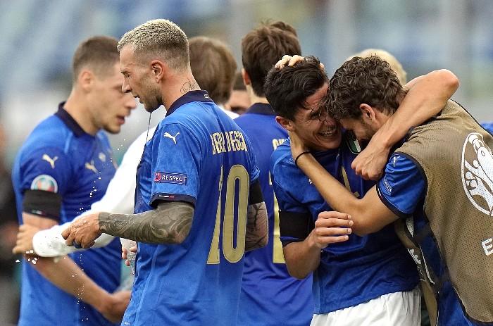 Сборная Италии победила Уэльс, Швейцария выиграла у Турции