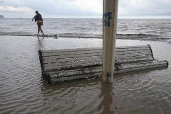 Большинство пляжей Ялты расчистили от мусора после подтопления