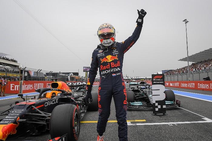 Ферстаппен на предпоследнем круге обошел Хэмилтона и выиграл Гран-при Франции