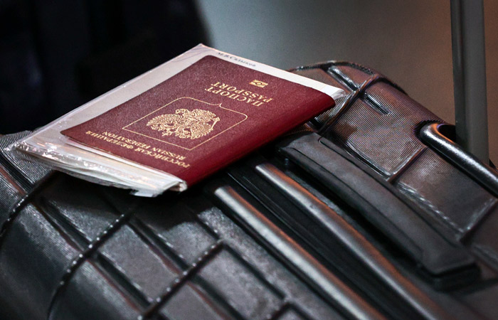 Власти РФ подтвердили, что граждане выезжают за границу в пандемию на свой риск