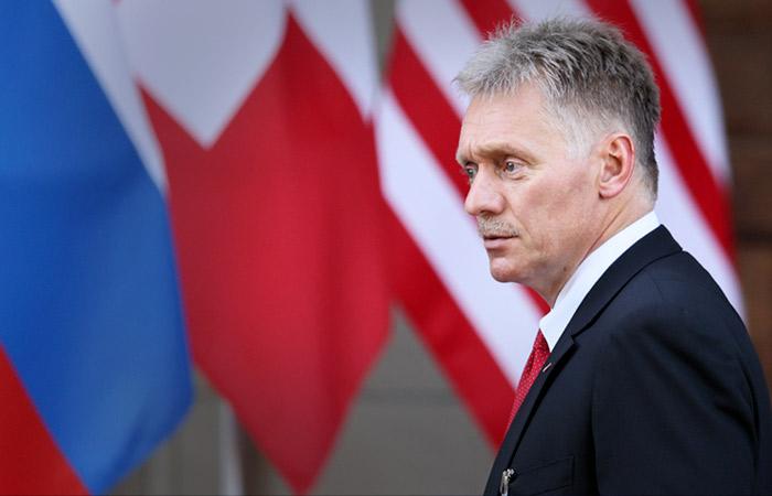 Песков заявил, что избегающим вакцинации придется искать новую работу