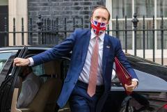 Глава Минздрава Великобритании ушел в отставку
