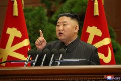 Ким Чен Ын раскритиковал чиновников за ошибки в борьбе с COVID-19