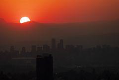 Число внезапных смертей утроилось во время рекордной жары в Канаде