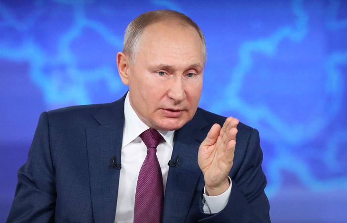 Путин одобрил запрет публичного отрицания роли СССР в победе над нацизмом