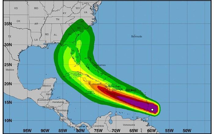 """Ураган """"Эльза"""" сформировался в Атлантическом океане и движется к США"""