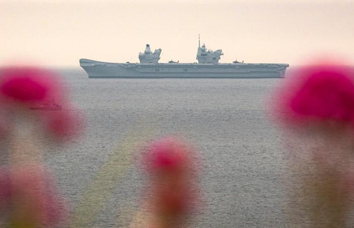 В Средиземное море зашел еще один британский авианосец