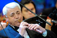 Умер композитор и мастер игры на дудуке Дживан Гаспарян