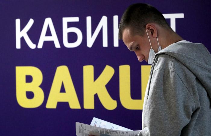 В РФ от коронавируса привиты двумя дозами 18,5 млн человек