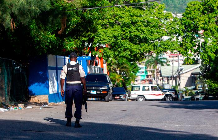 В Гаити объявили военное положение после убийства президента