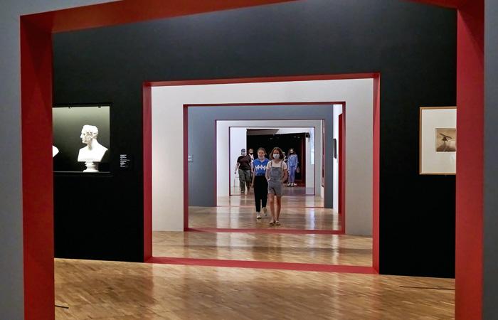 Несколько музеев Москвы ввели систему посещения по QR-кодам