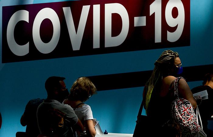 В РФ за сутки выявлено более 24,8 тыс. новых случаев COVID-19