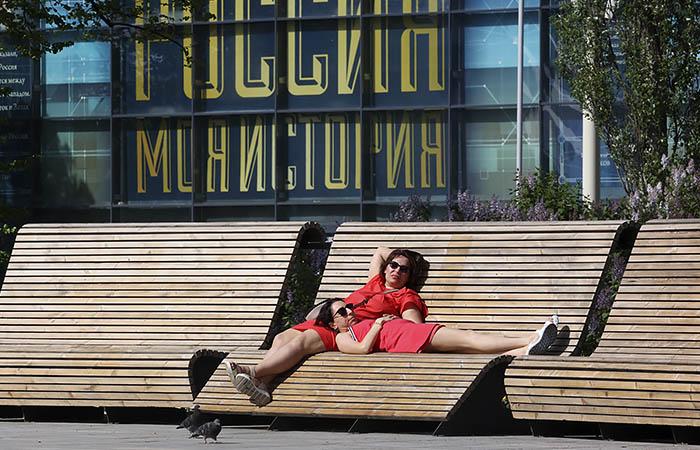 Москвичам пообещали аномальную жару до 18 июля