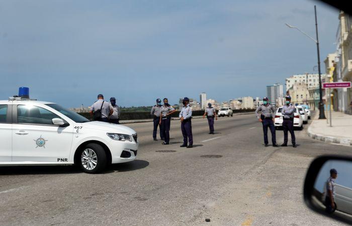На улицах Гаваны усилили наряды полиции и спецназа после протестов
