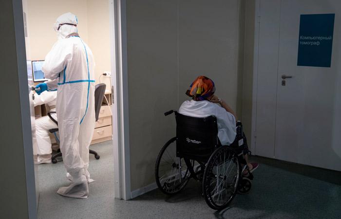 В России за сутки выявили 25 140 заразившихся коронавирусом