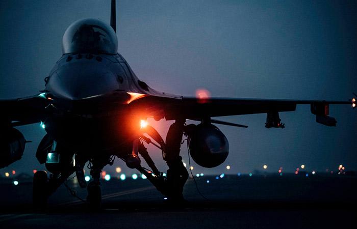 США перебросили в Болгарию эскадрилью истребителей F-16