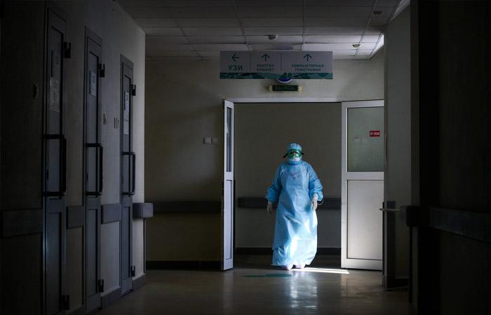В России за сутки обновлен антирекорд по числу умерших от COVID-19