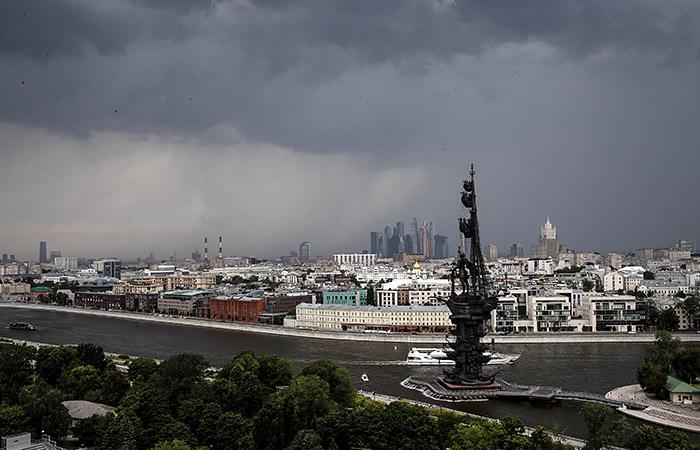 На Москву вновь надвигается гроза