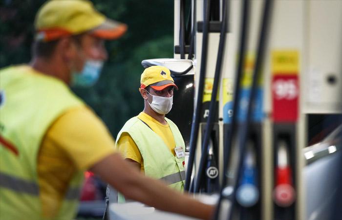 Биржевые цены на бензин немного снизились после заявлений Минэнерго и ФАС