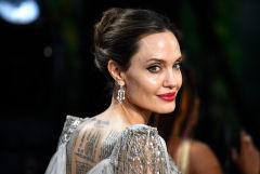 Анджелина Джоли добилась отстранения судьи, ведшего дело об опеке над детьми