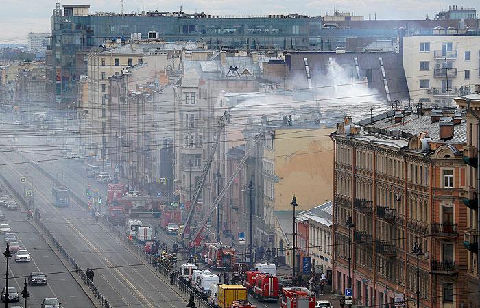 В центре Петербурга локализовали пожар в жилом доме
