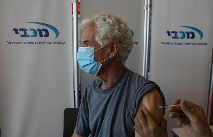 Премьер-министр Израиля заявил о начале ревакцинации лиц старше 60 лет