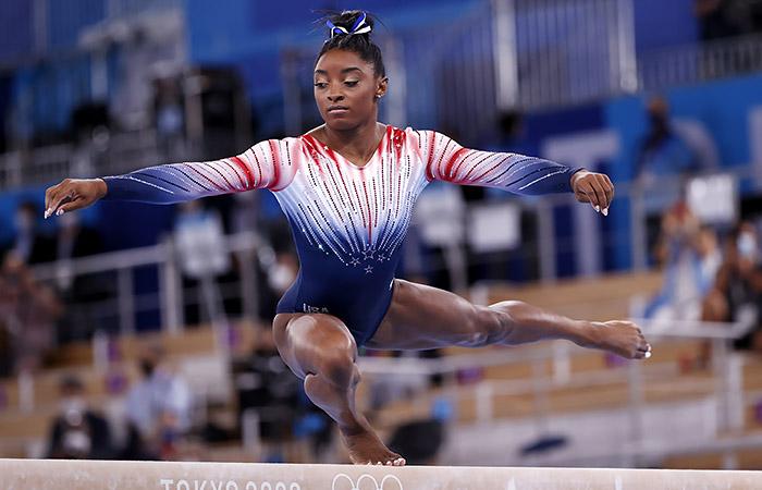Симона Байлз завоевала бронзу Олимпиады в упражнении на бревне