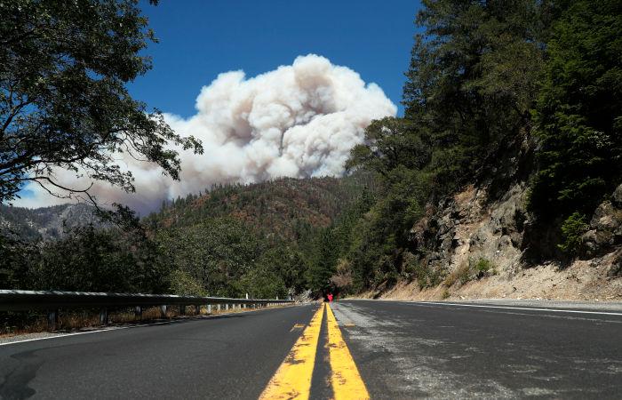 Природный пожар в Калифорнии охватил площадь более 110 тыс. гектаров