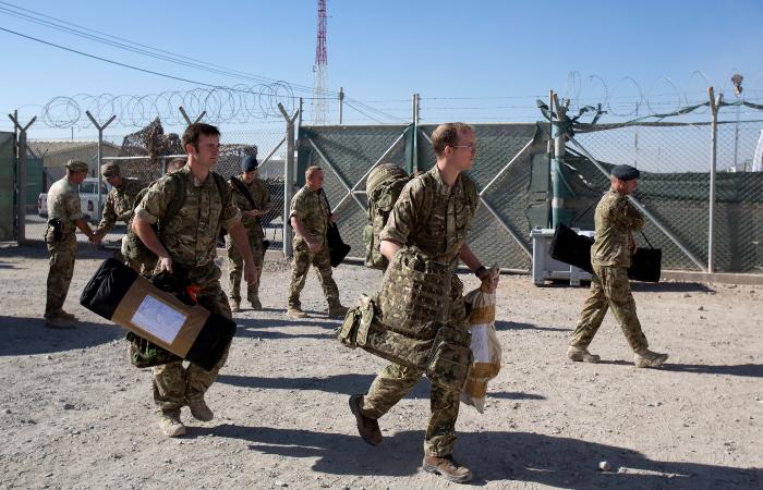Великобритания направит в Афганистан военных для эвакуации подданных
