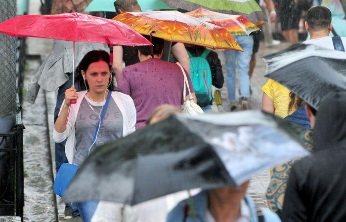 Почти половина месячной нормы осадков выпала за сутки в Москве