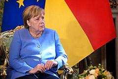 Меркель на встрече с Путиным заявила о необходимости освобождения Навального