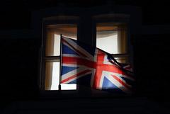 Британия ввела санкции против семи сотрудников ФСБ из-за Скрипалей и Навального
